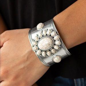 ❤️Room to Room bracelet